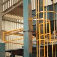 Transportador elevador de canecas